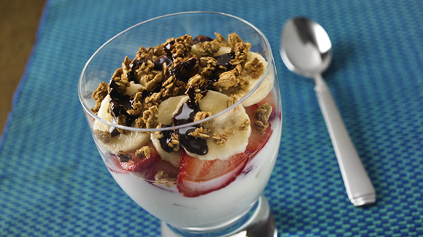 Banana Split Berry Yogurt Parfaits